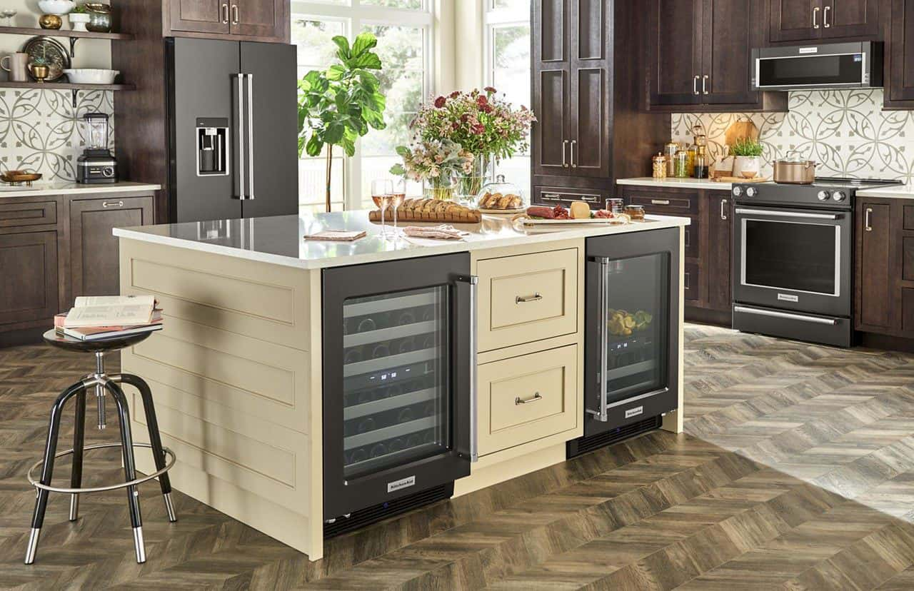 Whirlpool Brands Showcase Innovations to Building Industry Pros in