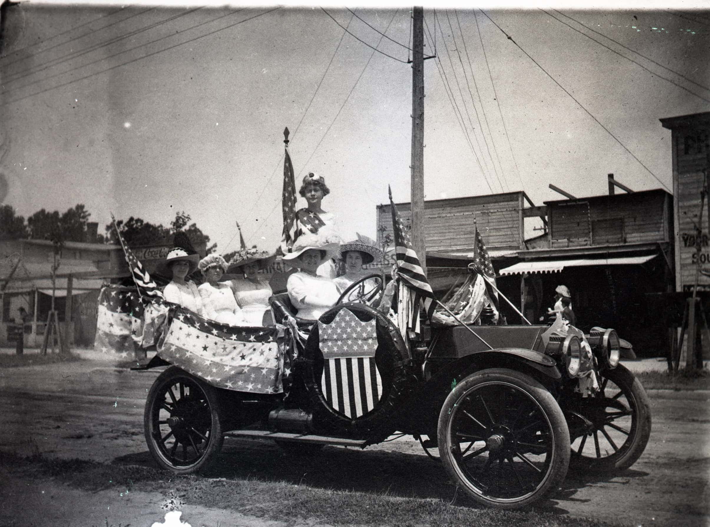 AC223N-Events-4th-of-July-parade-entry-Circa-1920s.jpg