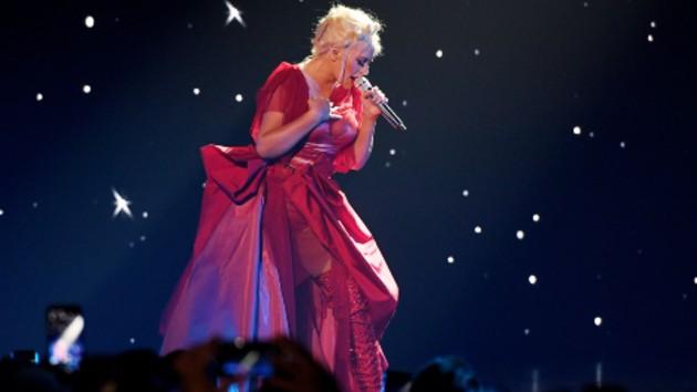Christina Aguilera extends Las Vegas residency through March 2020 | Hot 1017