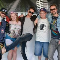 kd17-meetgreet-highly-suspect03.jpg
