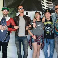 kd17-meetgreet-highly-suspect07.jpg