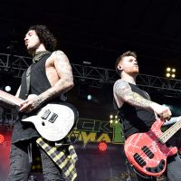 kd-19-band-asking-alexandria-07.jpg
