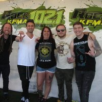 kd-19-meetngreet-shinedown-06.jpg