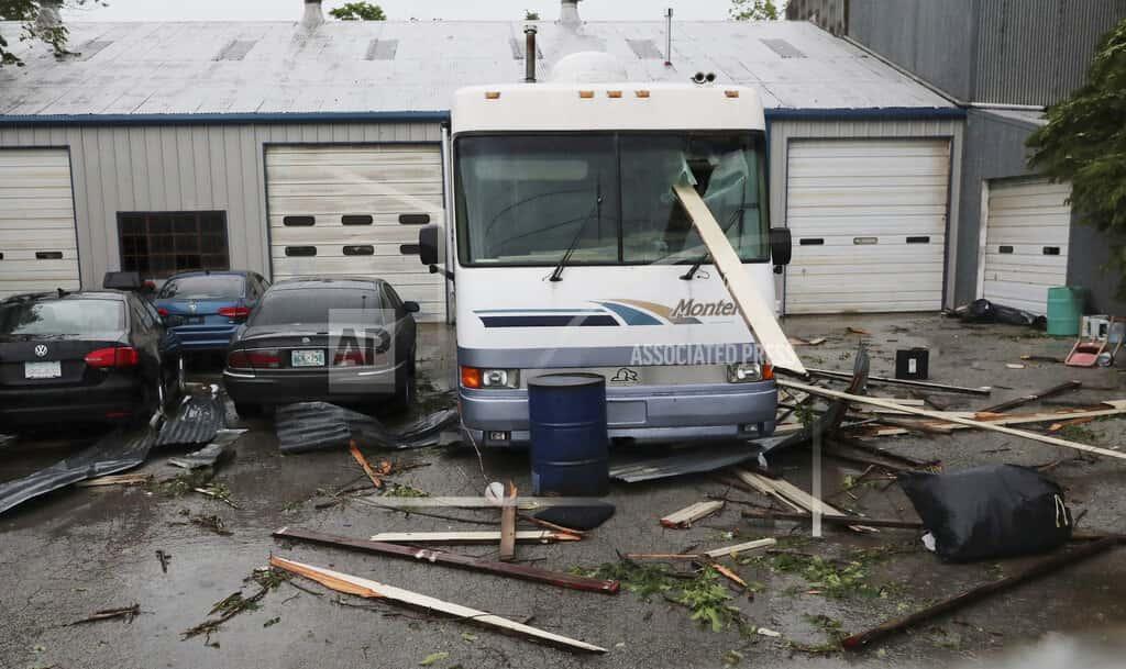 Superb Tornadoes Flip Campers Damage Homes In Southern Plains Home Interior And Landscaping Palasignezvosmurscom