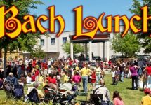 Bach Lunch with people in the park