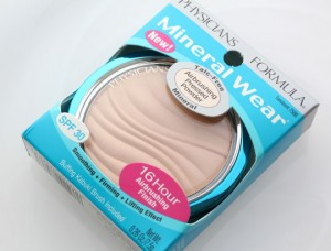 physicians-formula-mineral-wear-talc-free-airbrushing-pressed-powder-1