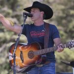 "Aaron Watson Announces New Headlining ""Red Bandana"" Tour"