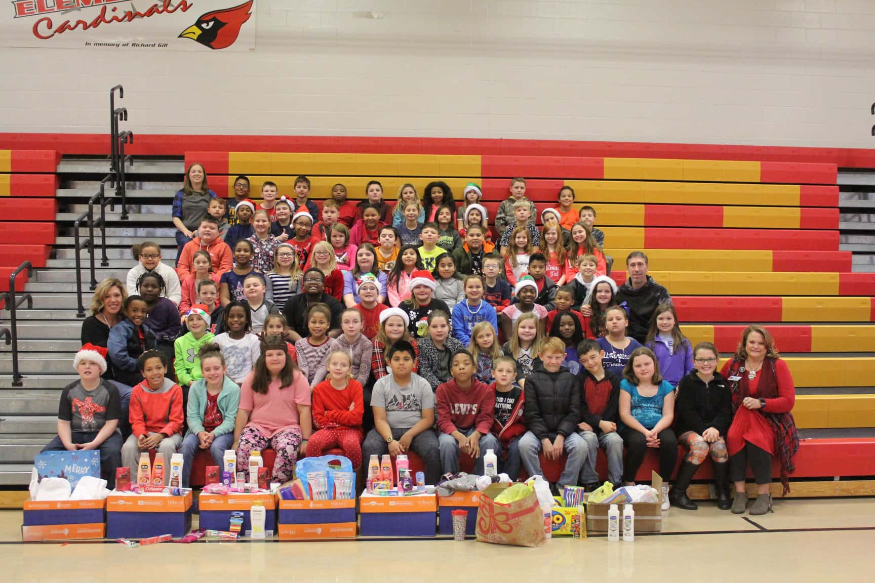 Todd Grants 4th Grade Christmas 2020 Callender Todd County Students Donate Items To Grace And Mercy | WKDZ Radio