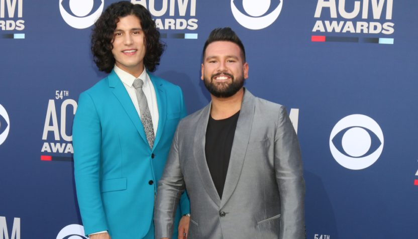 Lindsey Stirling On Country Christmas 2020 Podcast Dan + Shay, Florida Georgia Line & More To Perform On 'CMA Country