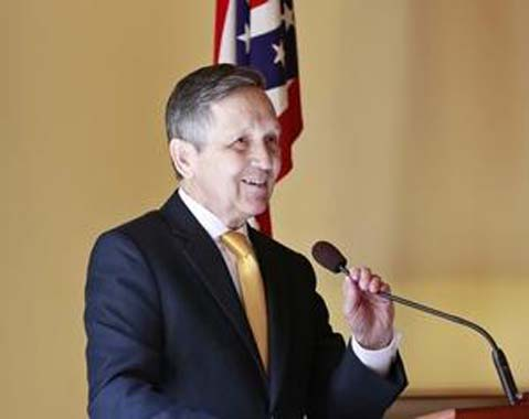 Is Kucinich catching a gun control wave across Ohio?
