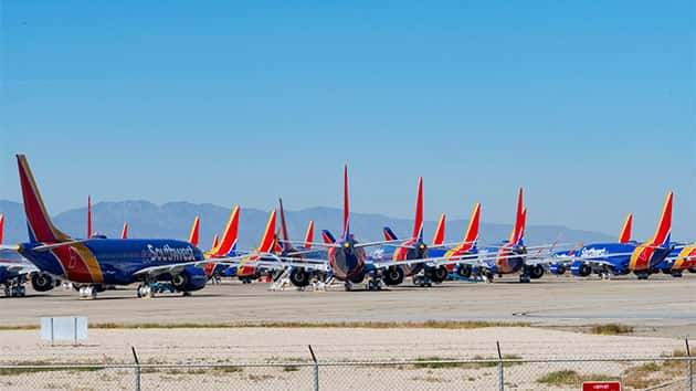 United Joins American And Southwest In Extending 737 Max